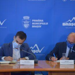 Brașovul își propune ca în 3 ani să primească titulatura de oraș prietenos cu copiii. Allen Coliban a semnat astăzi memorandumul de înțelegere între Municipalitate și UNICEF