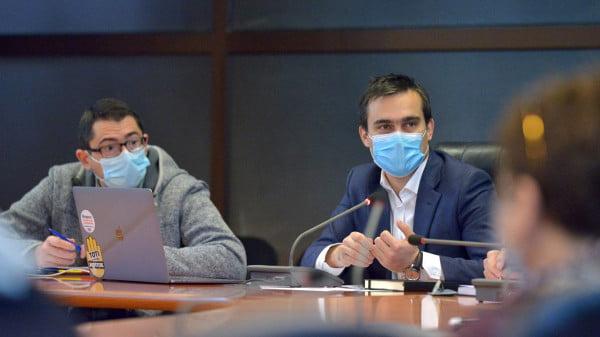 Viceprimarul Brașovului Sebastian Rusu și primarul Allen Coliban, ședință consiliul local