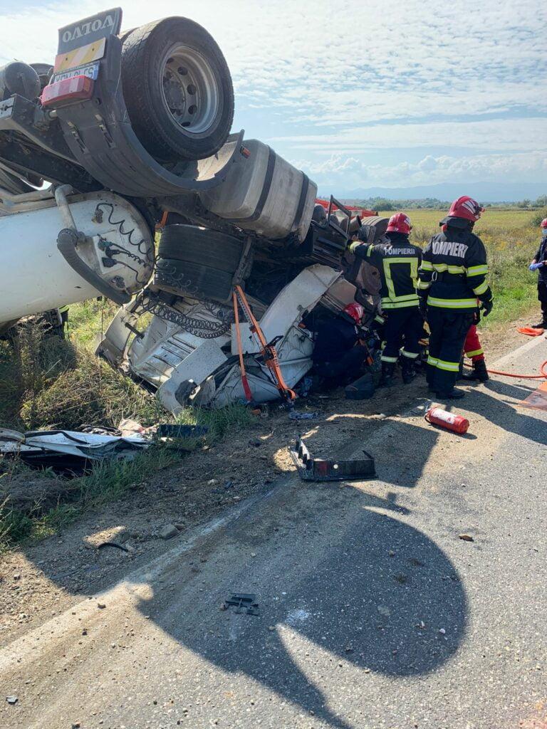 camion rasturnat dn 1s sofer decedat