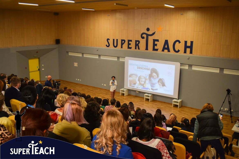 Peste 300 de persoane au participat offline și online, pe 11 septembrie, la conferința SuperTeach/ Cultura organizațională din școlile românești este una bazată pe frică